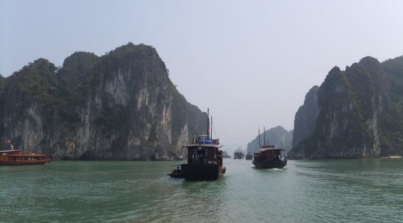 女子一人旅 in ベトナム ハノイから日帰りでハロン湾へ|トラベルダイアリー