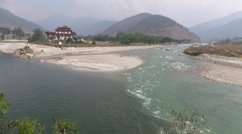 女子一人旅 in ブータン 自然の美しいのどかな街プナカ| トラベルダイアリー