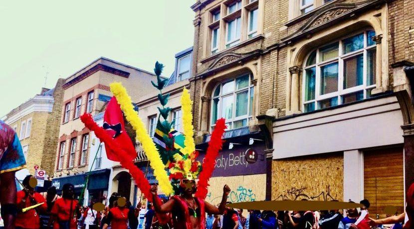 ヨーロッパ最大級のカーニバル!ロンドンのノッティングヒル・カーニバル&テムズ川フェスティバル| トラベルダイアリー