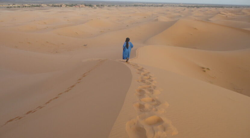 モロッコ・サハラ砂漠にある街メルズーガで静かなひと時を過ごす  トラベルダイアリー