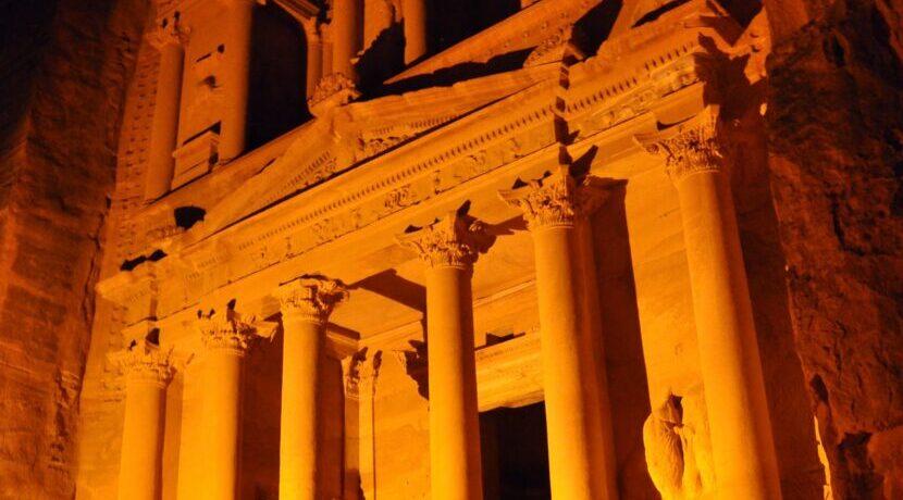 インディ・ジョーンズの舞台となったペトラ遺跡を訪問  トラベルダイアリー