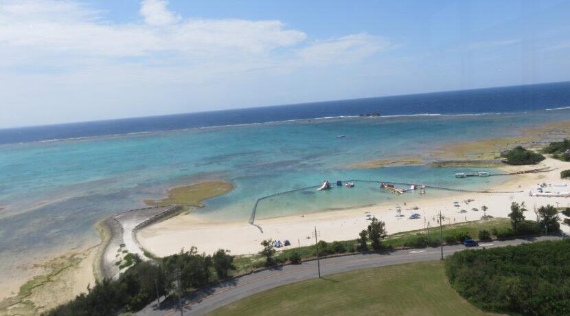透き通る静かな穴場ビーチ ◆海もプールも楽しめるロイヤルホテル沖縄残波岬◆| トラベルダイアリー
