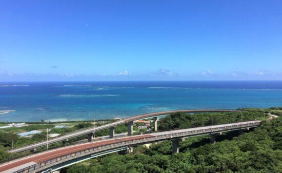 地元民と行く!沖縄南部ドライブ ~南城市 絶景&カフェ編~| トラベルダイアリー