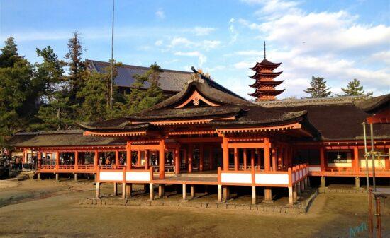 一度は行ってみたいと憧れる!日本三景の1つ広島・宮島の旅| トラベルダイアリー